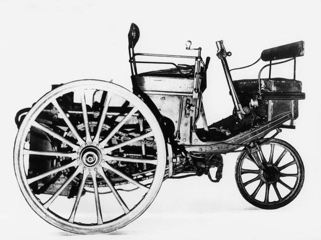 The automobile – 1889 presentation of the steam-driven 3-wheeler